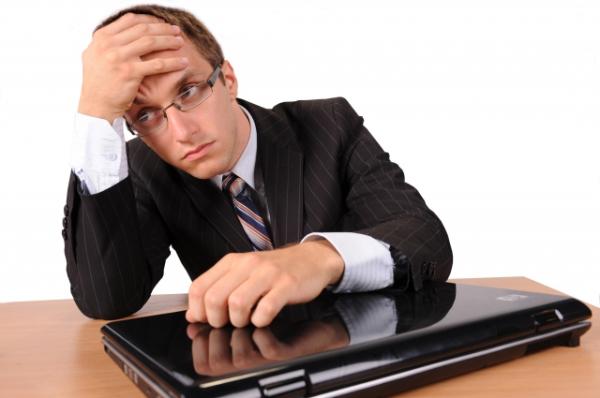 Patru greșeli care ocupă timp prețios într-o companie – dar care pot fi înlăturate cu un CRM